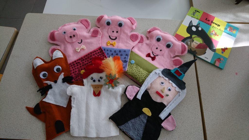 Des marionnettes en feutrine réalisées par les élèves
